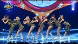 "Hika, Yui, Jelly, Hyena, JaYoung, ChanHee, and Miva perform ""I'll Call Ya"" on Show Champion."