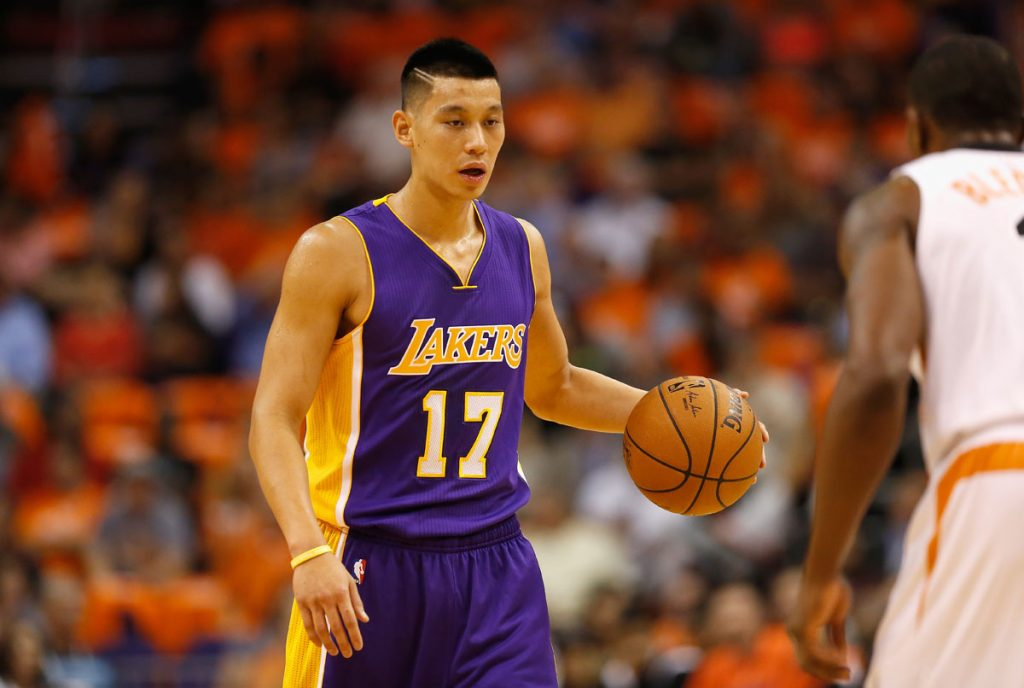 PHOENIX, AZ - OCTOBER 29:  Jeremy Lin #17 of the Los Angeles Lakers handles the ball during the NBA game against the Phoenix Suns at US Airways Center on October 29, 2014 in Phoenix, Arizona. The Suns defeated the Lakers 119-99. NOTE TO USER: User expressly acknowledges and agrees that, by downloading and or using this photograph, User is consenting to the terms and conditions of the Getty Images License Agreement.  (Photo by Christian Petersen/Getty Images)