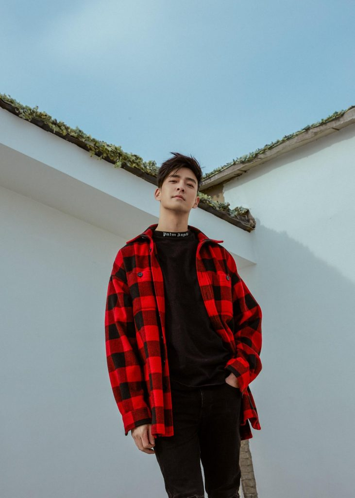 JAMES LEE SINGER-SONGWRITER & HIT PRODUCER BRINGS SUMMERTIME SADNESS TO AN ALL-TIME HIGH WITH CASTLES EP 3